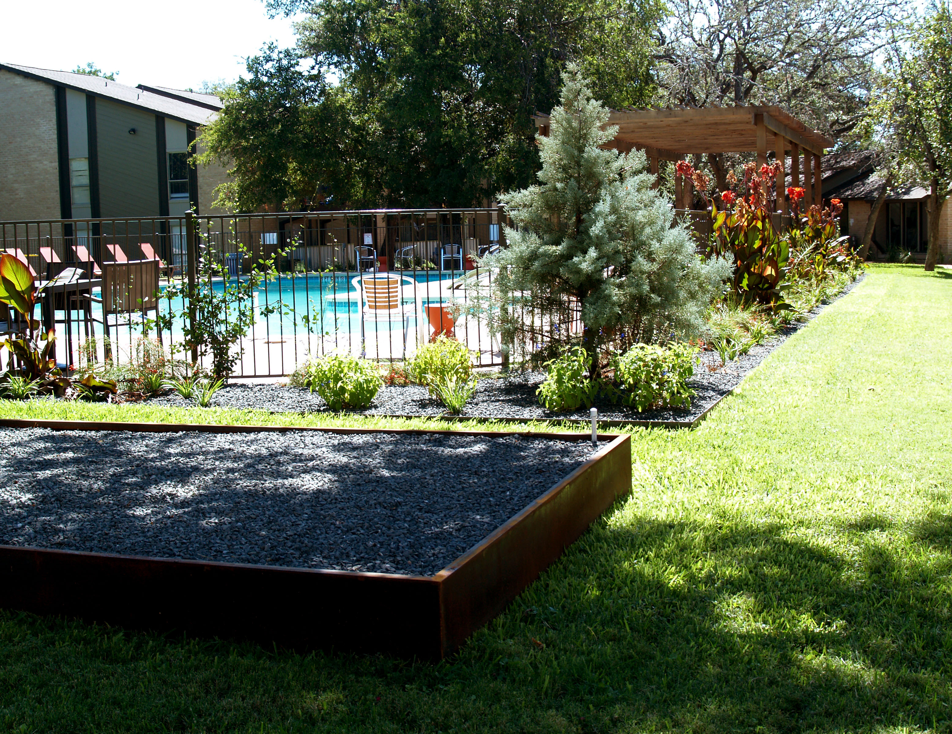 The Grove Apartments - Modern Austin Large-scale Landscape Design ...