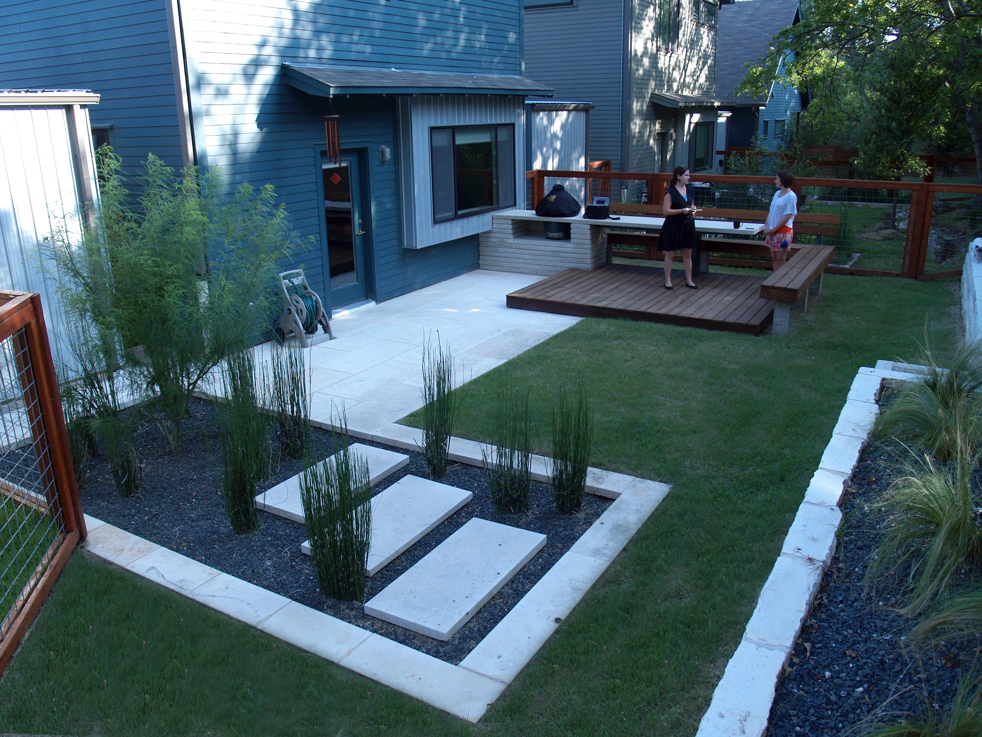 Garden Design With Modern Small Backyard Kitchen Dining And Living Persimmon Plant From
